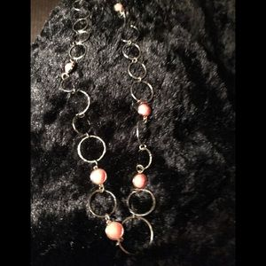 Long necklace gold with peach gems